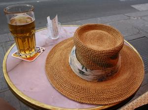 Cafe hat